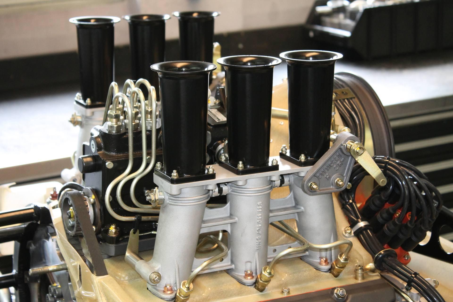 Hohe Drosselklappenanlage für 911 RSR 2,8/3,0, SC RS wieder neu lieferbar