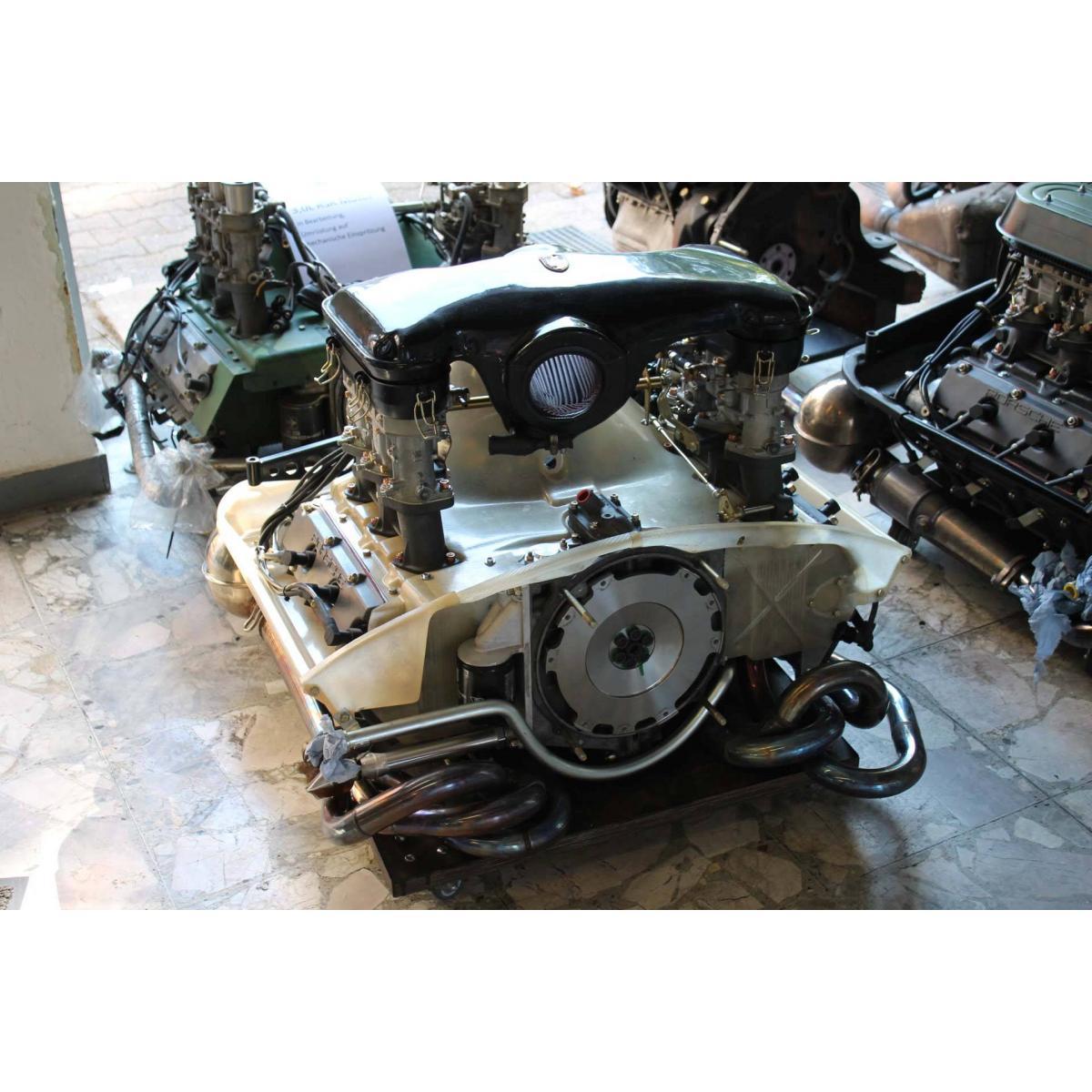 """Motor komplett, 2,8 """"Fliegender Holländer"""", 272 PS/ 299 Nm"""